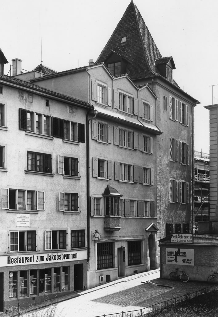 Spiegelgasse 14 and 16 in 1944.