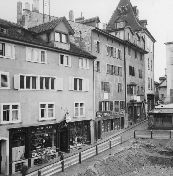 Spiegelgasse 12, 14 and 16 in 1927.