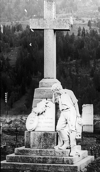 Andreoletti's Gotthard monument in the cemetery in Airolo.