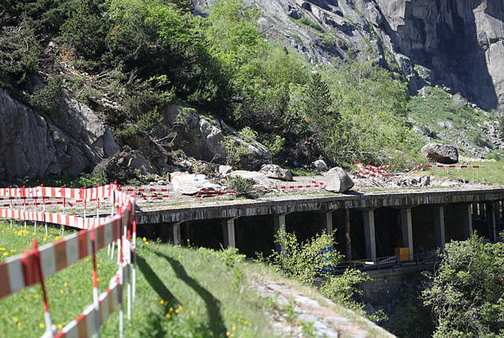 The Schöllenen gorge in June 2015: still dropping rocks at will on the just and the unjust.