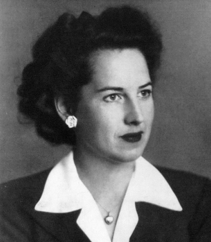 Elizabeth Nel-Layton, personal secretary to Winston Churchill 1941-1945. Photograph taken during that period.