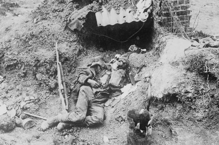 A dead soldier in the Spring Offensive 1918